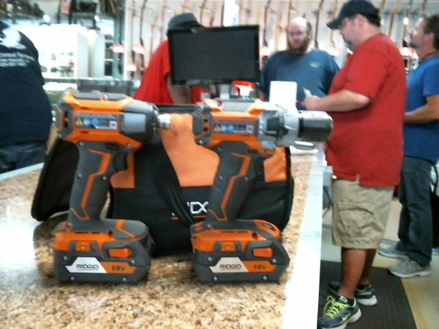 RIDGID TOOLS Cordless Drill R86116/R86037 SET