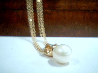 """16"""" Synthetic Pearl Stone Necklace 14K Yellow Gold 2.9g"""