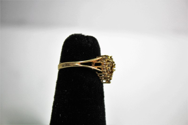 Lady's Diamond Cluster Ring 29 Diamonds .29 Carat T.W. 14K Yellow Gold 2.5g