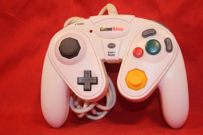 GameStop G3 Controller For Nintendo GameCube