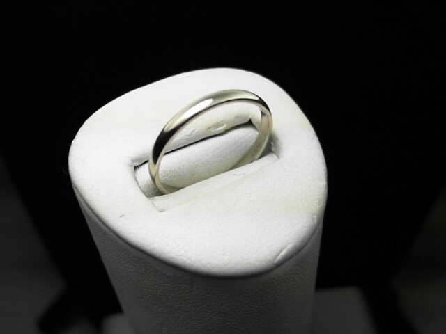 Lady's Gold Ring 14K White Gold 1.4g Size:7