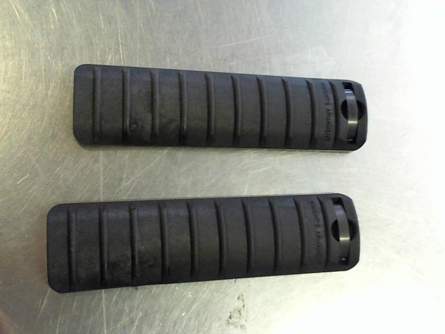 KNIGHTS ARMAMENT Firearm Parts FORE GIP