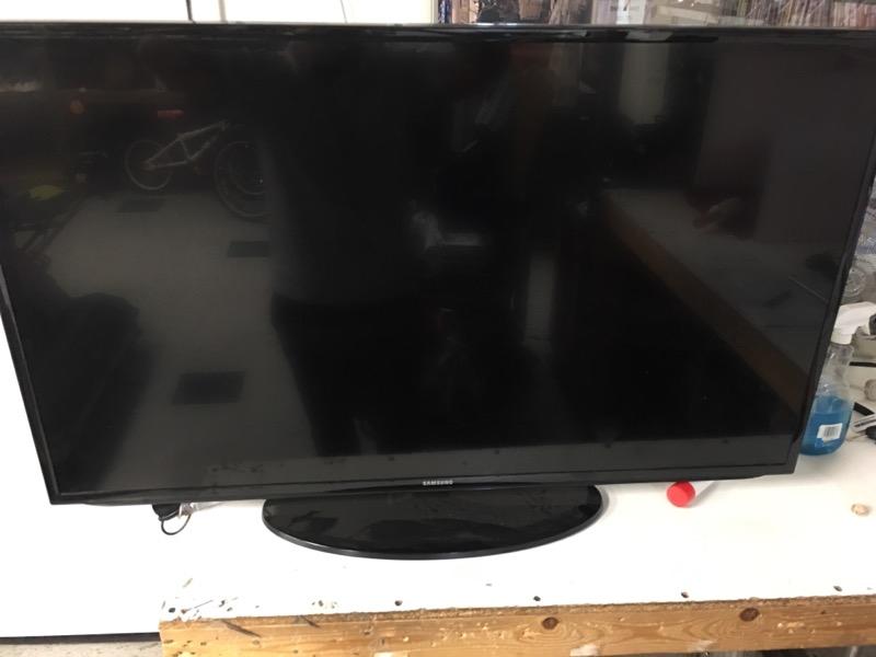 SAMSUNG Flat Panel Television UN50H5203AF