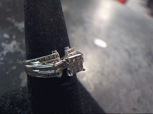 Lady's Diamond Fashion Ring 34 Diamonds 1.20 Carat T.W. 14K White Gold 3.3dwt
