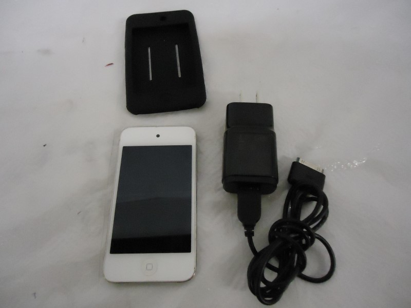 APPLE IPOD IPOD TOUCH MDO57LL/A