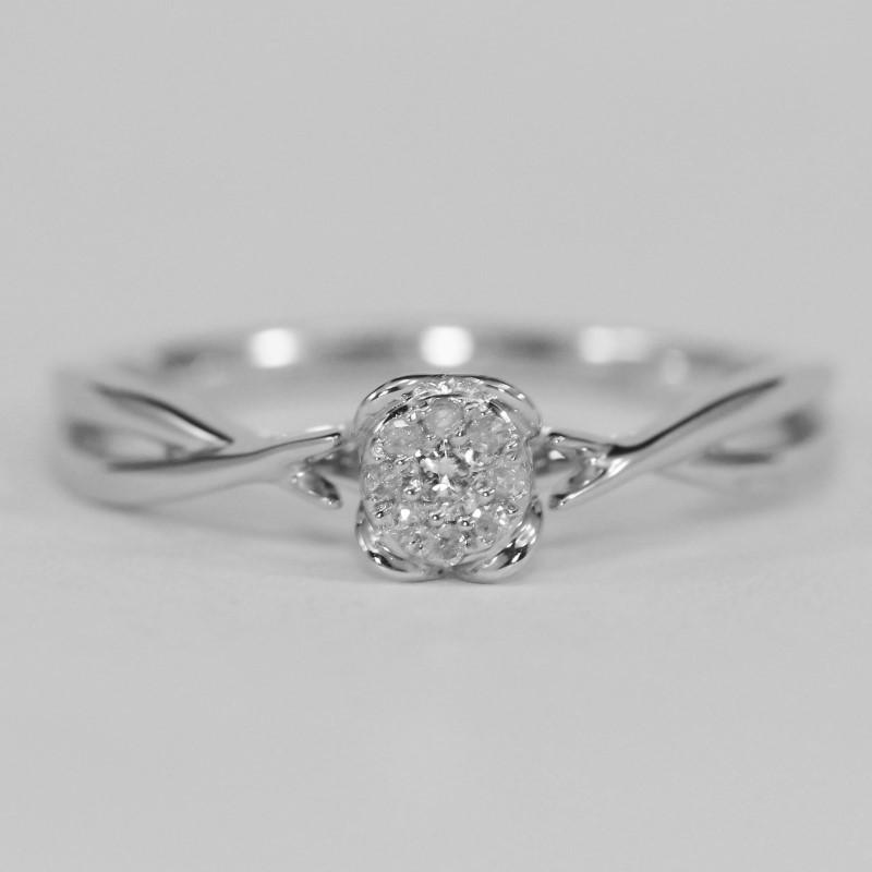 10K W/G Integrated Heart Set Round Brilliant Diamond Ring Size 7