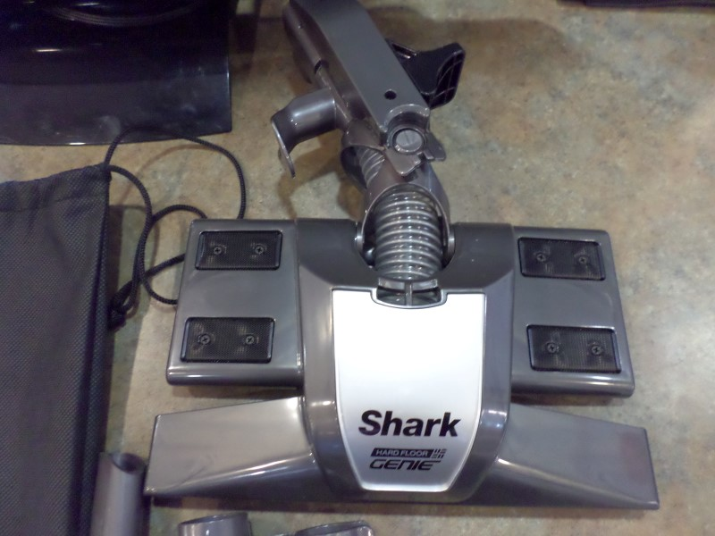SHARK Vacuum Cleaner HV321 40 ROCKET DELUXE PRO