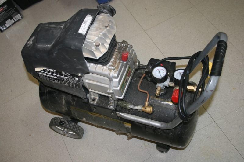 HUSKY Air Compressor TA-2530B