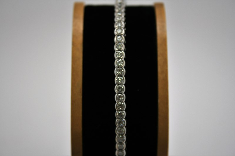 BANGLE/CUFF DIAMOND BRACELET 14K WHITE GOLD