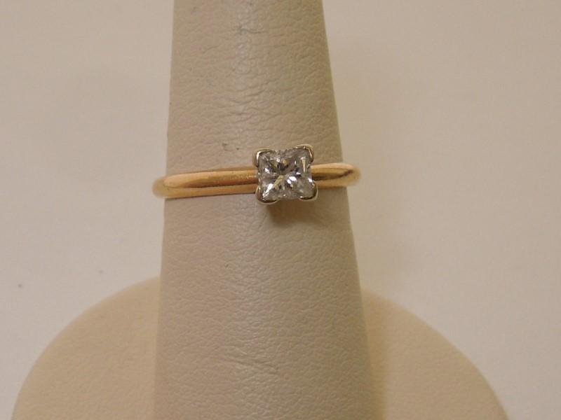 Lady's Diamond Engagement Ring .46 CT. 14K Yellow Gold 2g