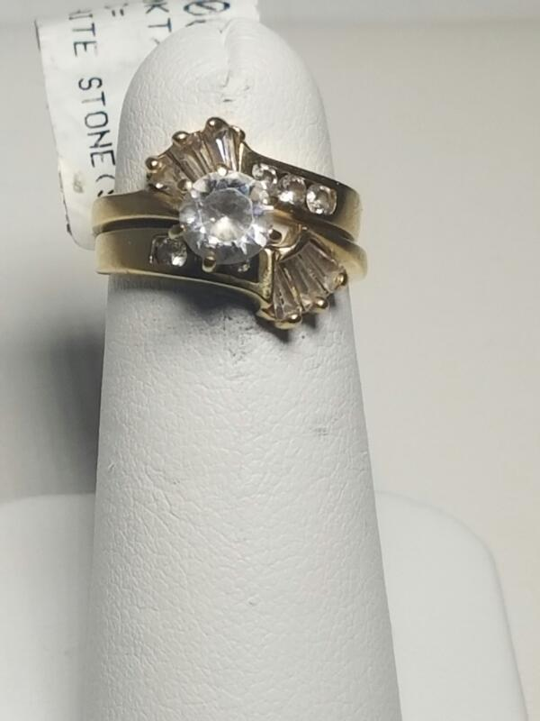 WHITE STONE(S)  FASHION RING L'S 10KT WHITE STONE(S)  1.7_PWT/YELLOW