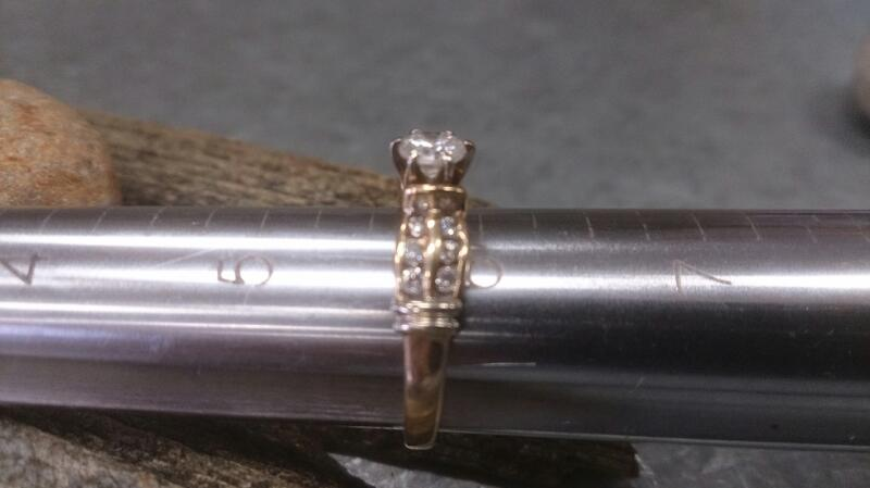 Womens 2 row chan dia sol wed ring 14k yg 6g