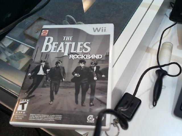 NINTENDO Nintendo Wii Game THE BEATLES ROCK BAND GAME