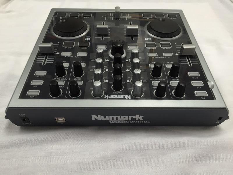 NUMARK TOTAL CONTROL USB MIDI DJ CONTROLLER