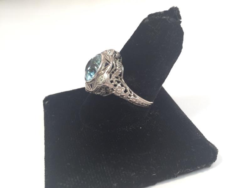 Aquamarine Lady's Stone & Diamond Ring 4 Diamonds  18K White Gold Antique settin