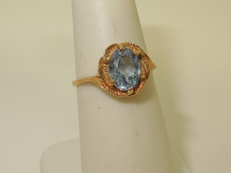 Synthetic Aquamarine Lady's Stone Ring 10K Yellow Gold 1.7g