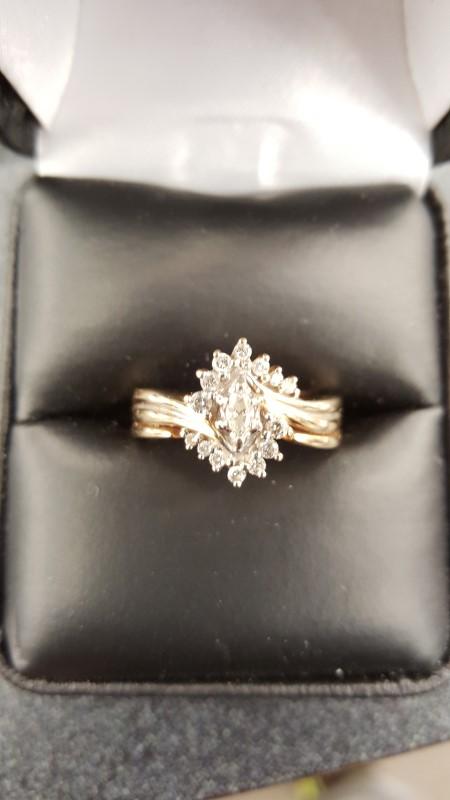 Lady's Diamond Cluster Ring 15 Diamonds .30 Carat T.W. 10K Yellow Gold 5.3g