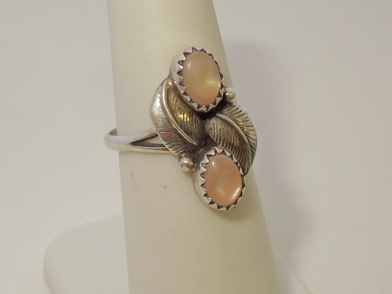 Synthetic Mother Of Pearl Lady's Silver & Stone Ring 925 Silver 2.55g