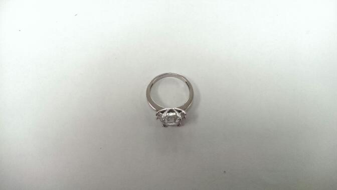 White Stone Lady's Silver & Stone Ring 925 Silver 3.2g Size:6