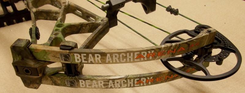2015 BEAR ARCHERY ARENA 34, REALTREE XTRA GREEN CAMO, RIGHT HANDED