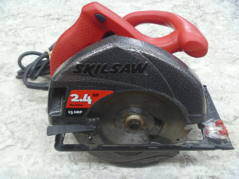 SKILSAW 5550 13 AMP 7-1/4-INCH CIRCULAR SAW WITH MANUAL AND CARRYING CASE