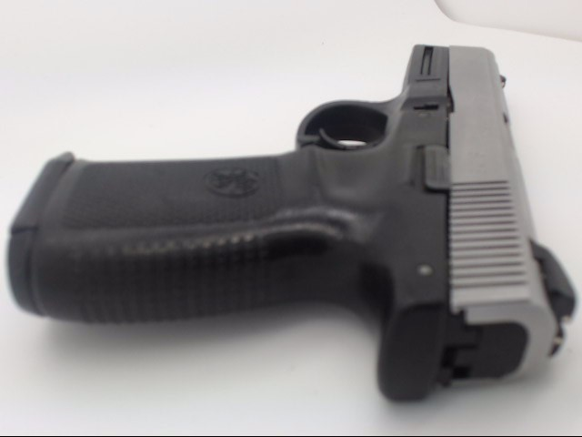 SMITH & WESSON Pistol SW 9VE