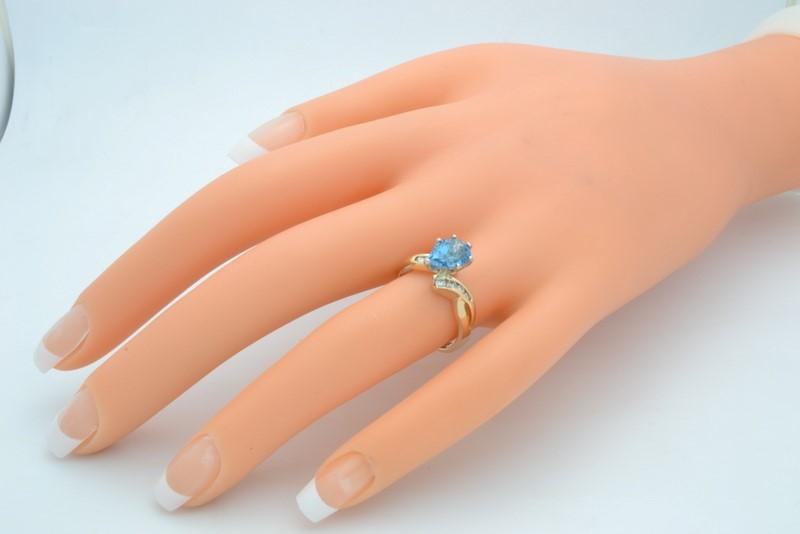 ESTATE DIAMOND BLUE TOPAZ RING SOLID 14K GOLD PEAR CUT SIZE 6.75