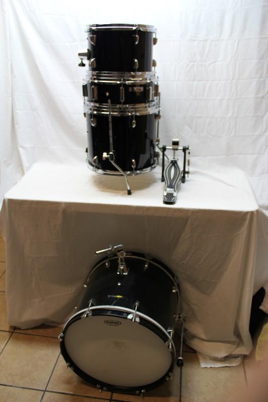SOUND PERCUSSION Drum Set 4 PIECE DRUM SET
