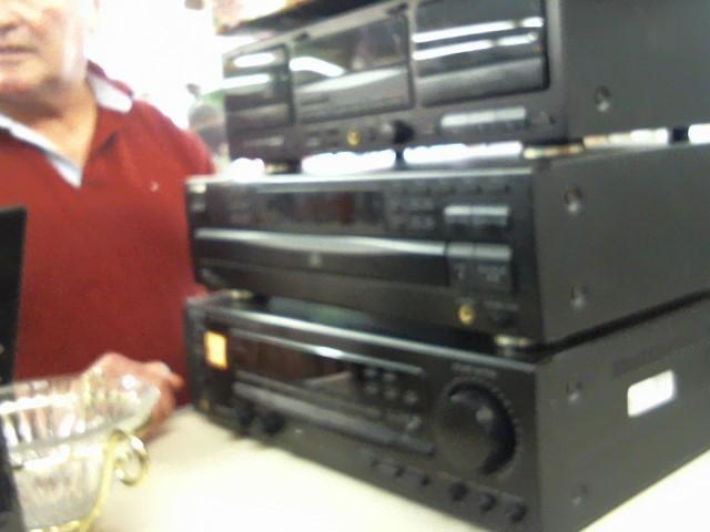 KENWOOD Amplifier KR-V5550