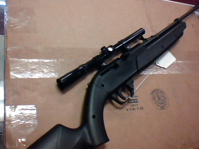 CROSMAN 760 PUMPMASTER BB GUN