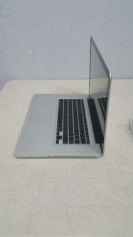 "Apple MacBook Pro Early 2011 (15.4"", Core i7, 2GHz, 4GB, 500GB)"