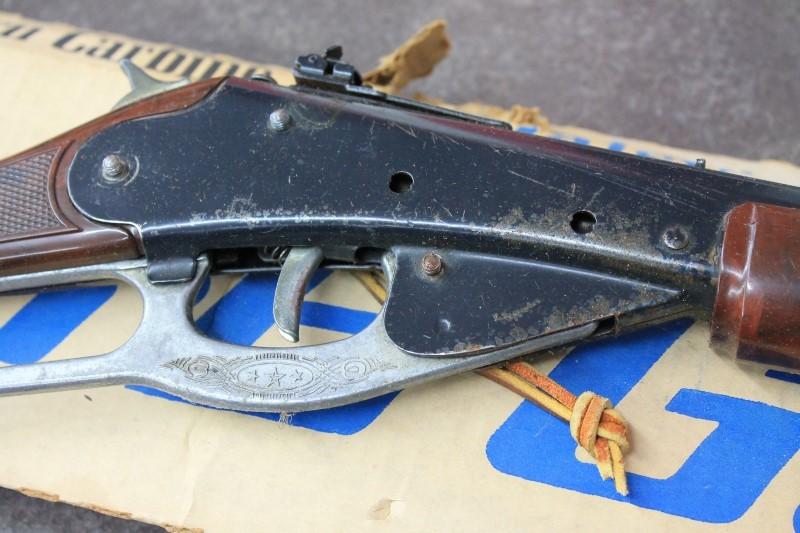 DAISY WESTERN CARBINE BB GUN
