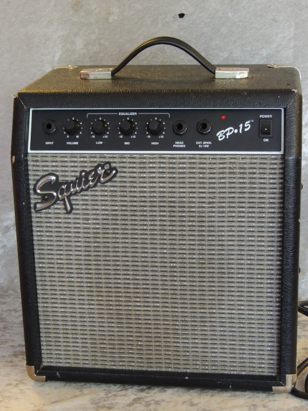 Fender Squire BP 15 Watt Bass Amp - Great For Practicing!