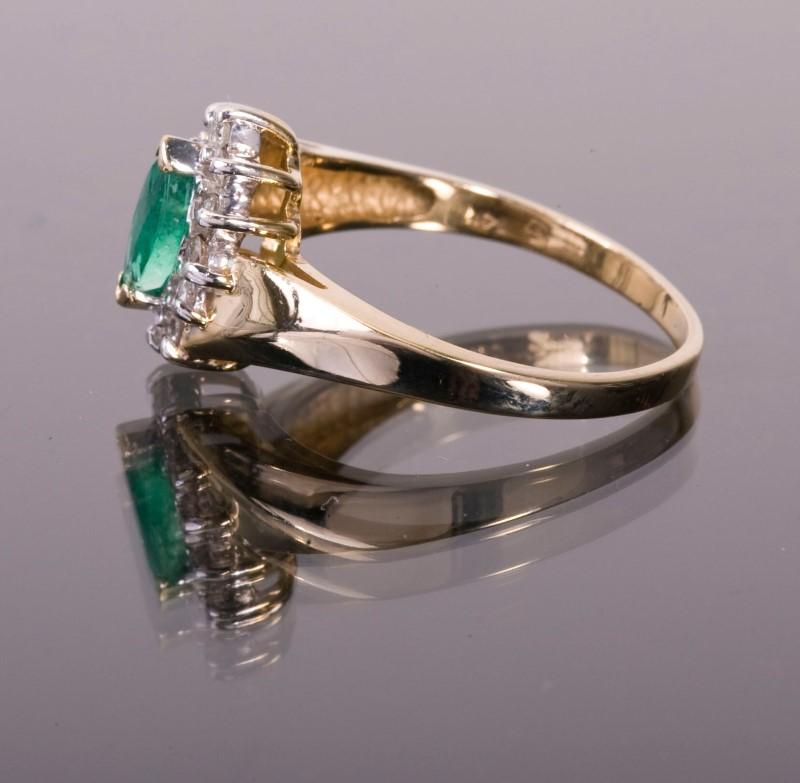 Lady's Emerald& Diamond Ring 12 Diamonds .12 Carat T.W. 14K Yellow Gold