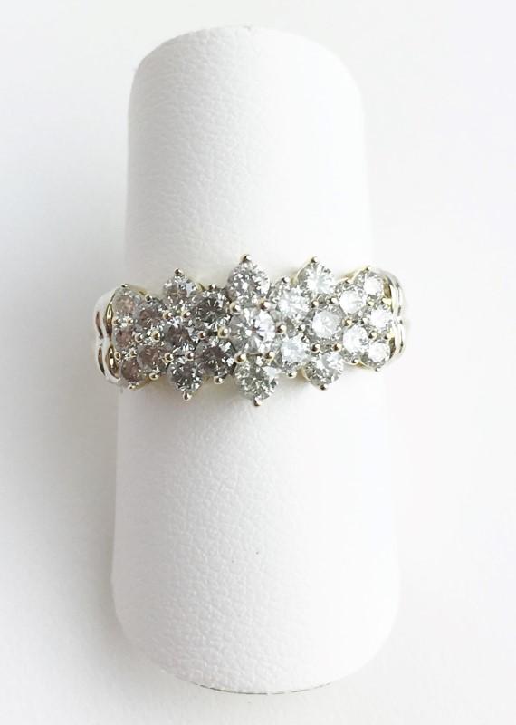 LADIES 10K YG DIAMOND CLUSTER RING APX 1.04CTW SIZE 7