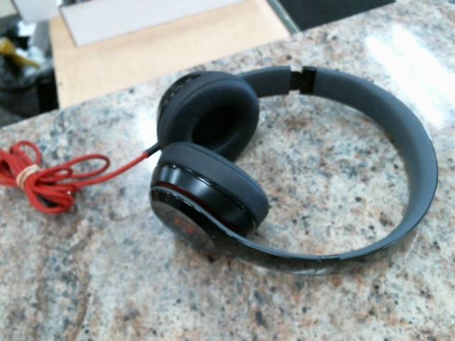 BEATS AUDIO Headphones SOLO 2