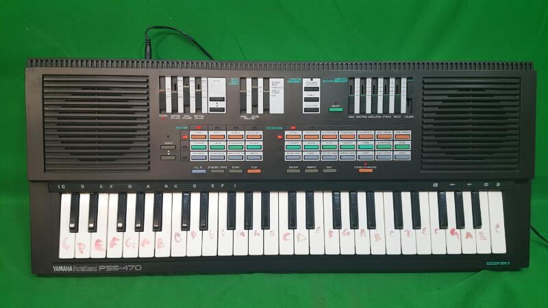Vintage Yamaha Portasound PSS-470 Electronic Keyboard Digital Synthesizer