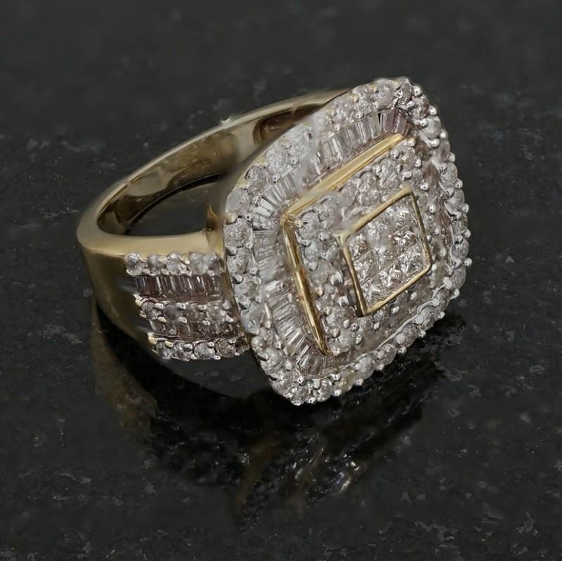 Lady's Diamond Cluster Ring 116 Diamonds 2.92 Carat T.W. 14K Yellow Gold 6dwt