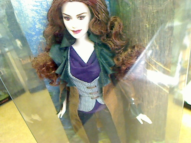 BARBIE Doll TWILIGHT VICTORIA