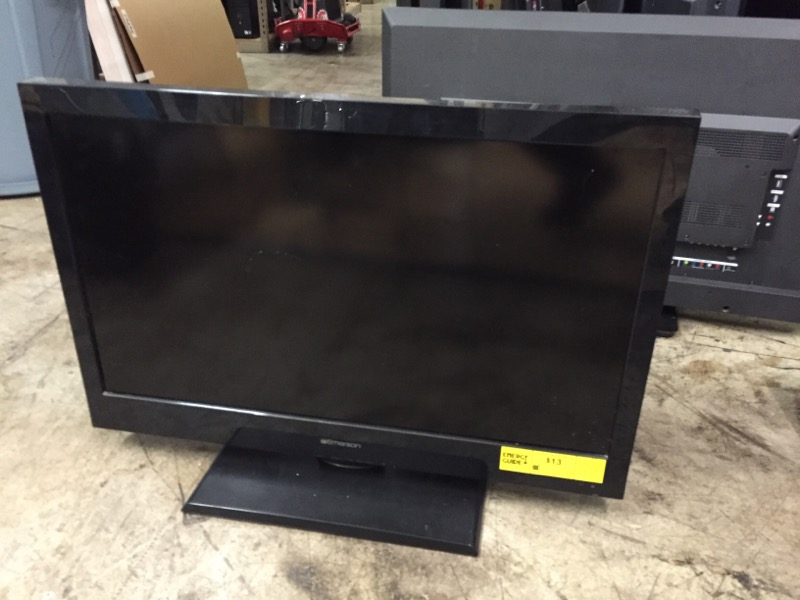 EMERSON Flat Panel Television LC320EM2