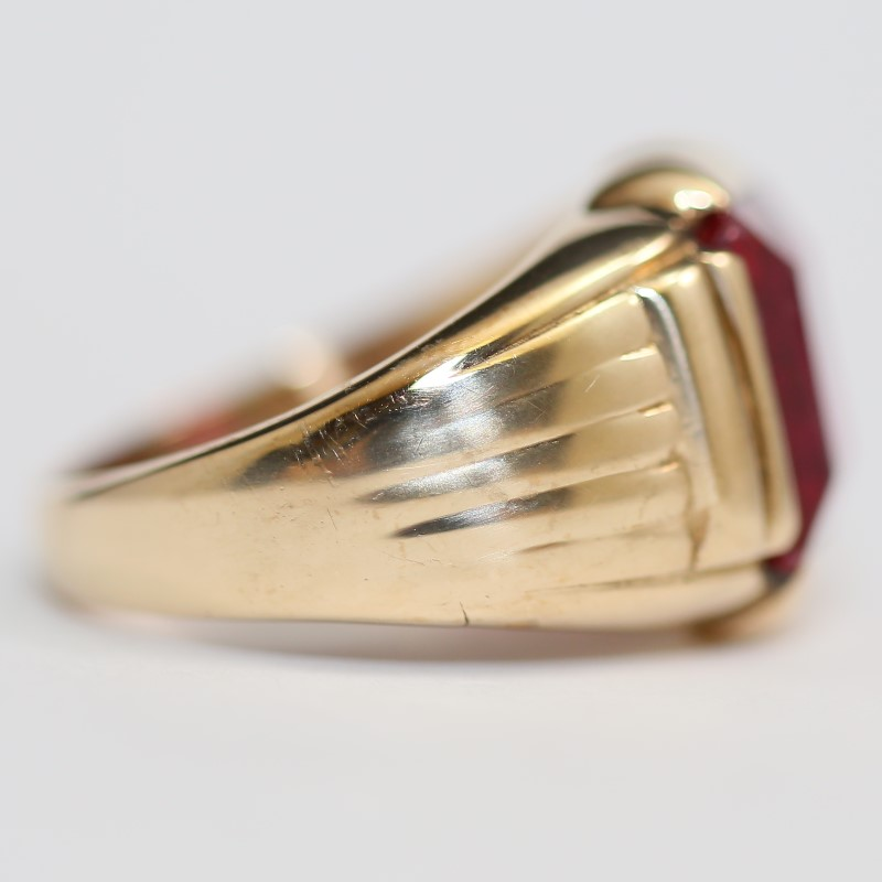 10K Yellow Gold Emeald Cut Red Stone Size 9.75