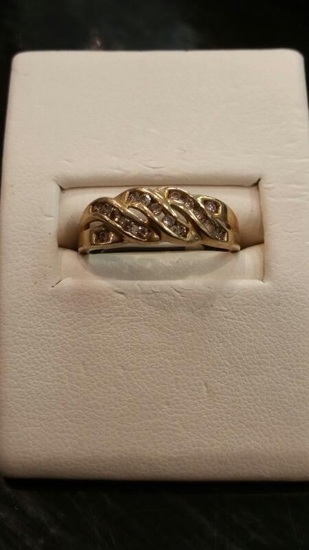 Lady's Gold Ring 10K Yellow Gold 1.5dwt