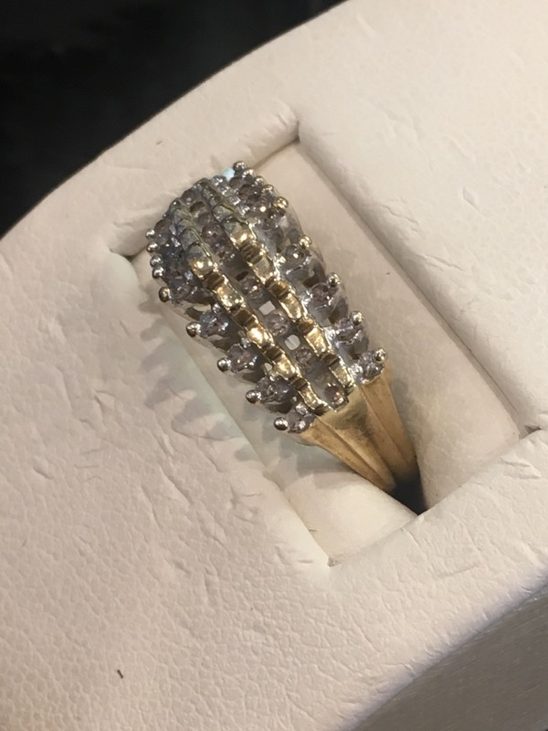 Lady's Gold Ring 10K Yellow Gold 1.9dwt Size:5.5