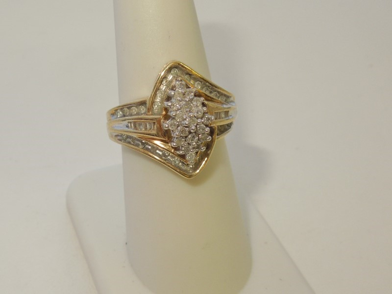 Lady's Diamond Cluster Ring 57 Diamonds .57 Carat T.W. 10K Yellow Gold 6.1g