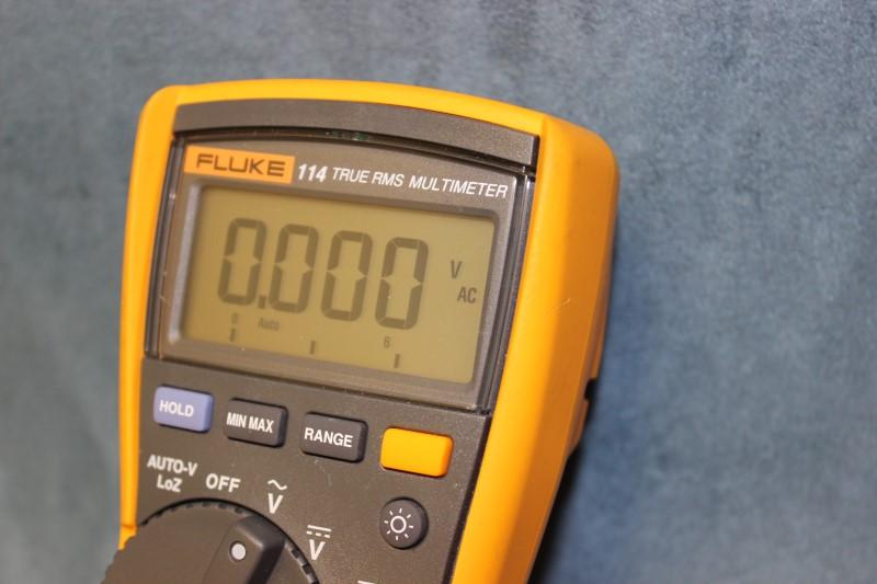 Fluke 114 TRUE RMS Multimeter