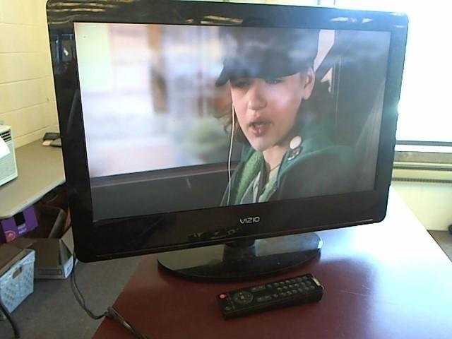 """VIZIO 26"""" TV W/REMOTE VA26LHDTV10T"""