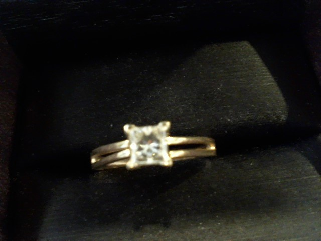 Lady's Diamond Solitaire Ring .50 CT. 14K Yellow Gold 2.7g Size:8.5