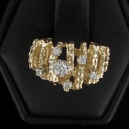 Lady's Diamond Cluster Ring 6 Diamonds .30 Carat T.W. 10K Yellow Gold 3.8dwt