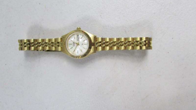 CITIZEN Gent's Wristwatch GN-4S-W