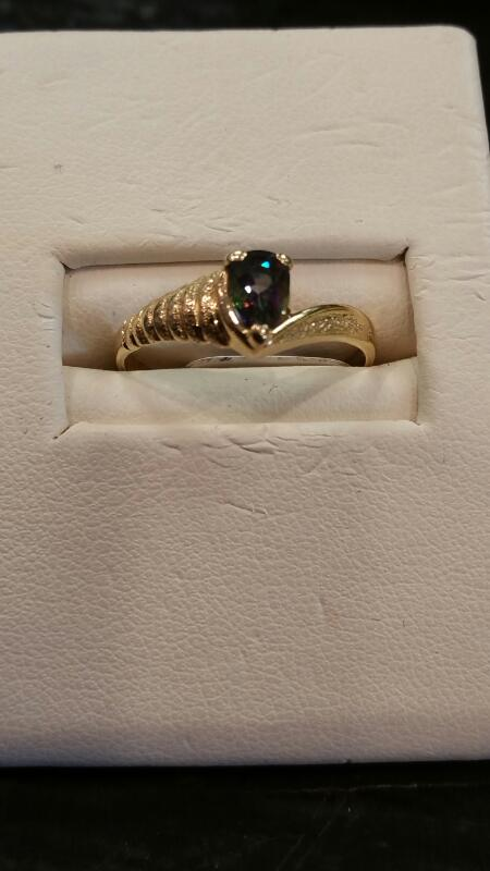 Lady's Gold Ring 14K Yellow Gold 1.1dwt